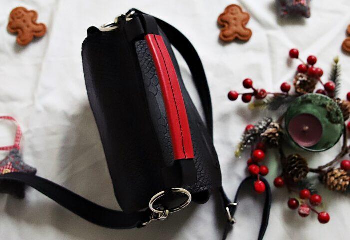 czarne kroko z czerwienią torebka