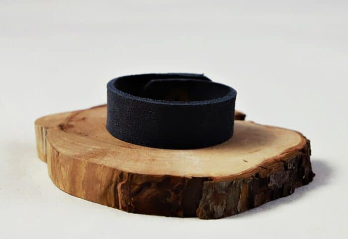 bransoletka zamszowa