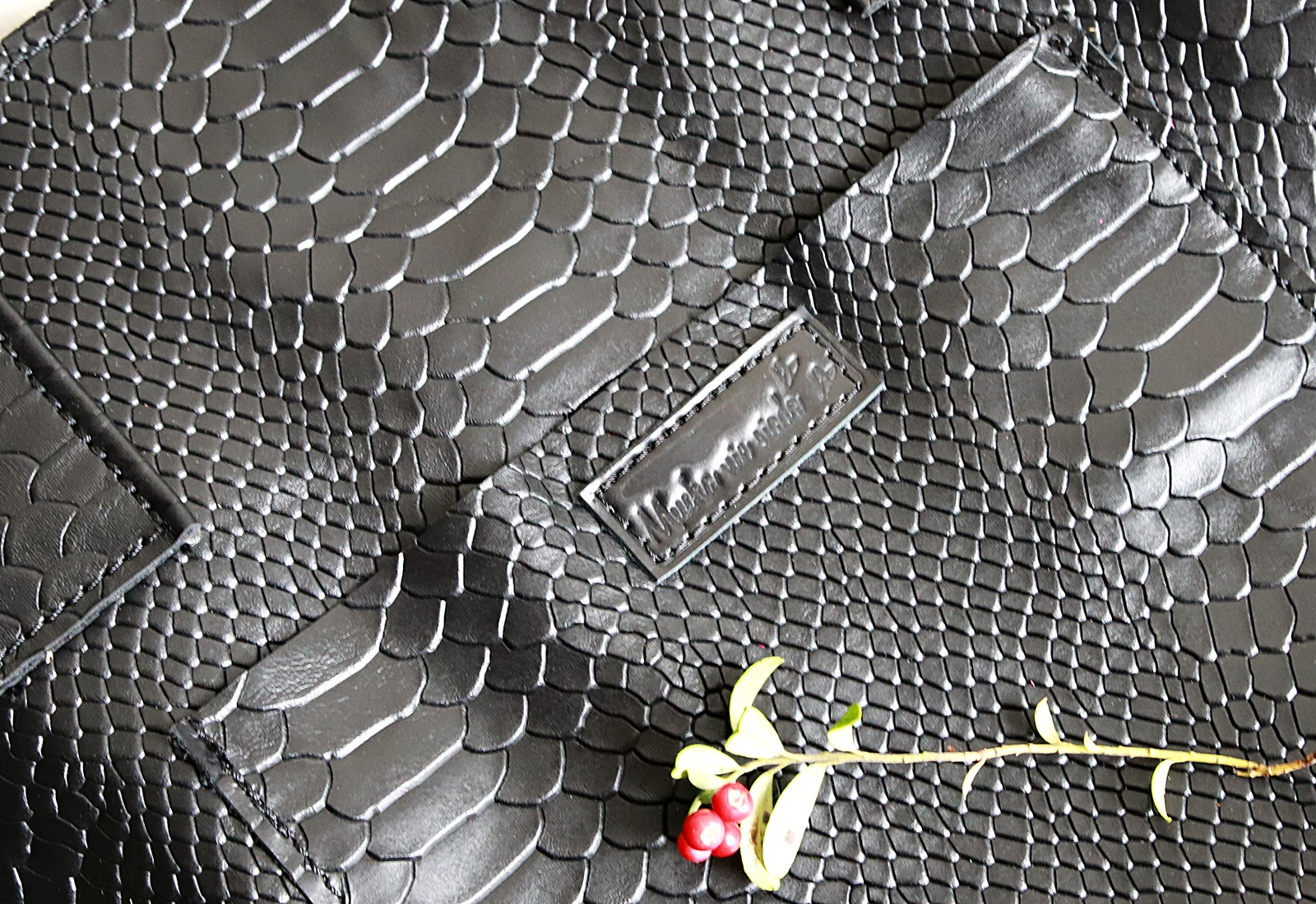 torebka Lola czarne kroko