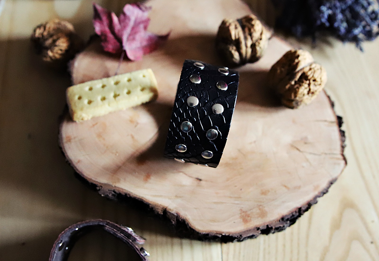 Skórzana bransoletka SUE czarne kroko