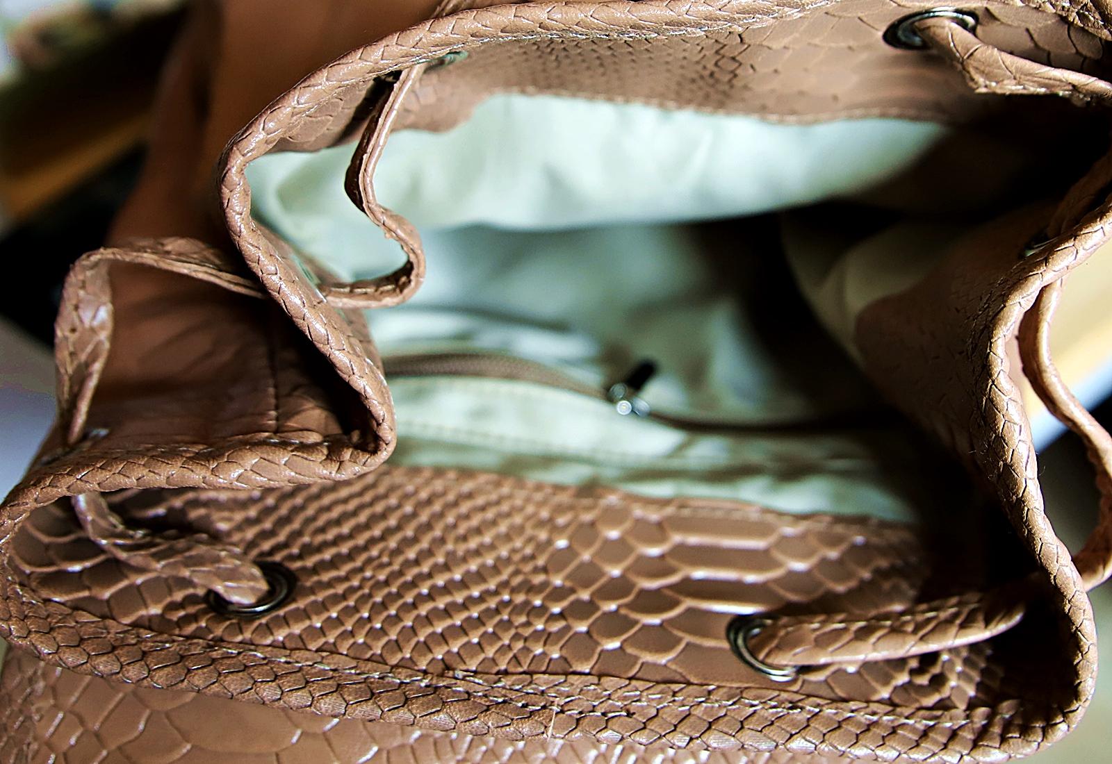 Plecak skórzany ZOYA nude detal