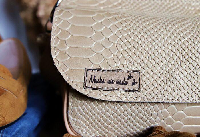 Ecru torebka skórzana Greta kroko detal