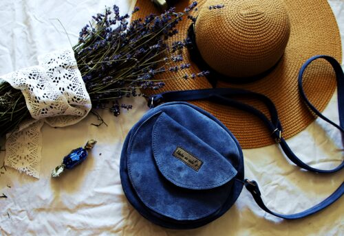 torebka okrągła Betsy blue zamsz