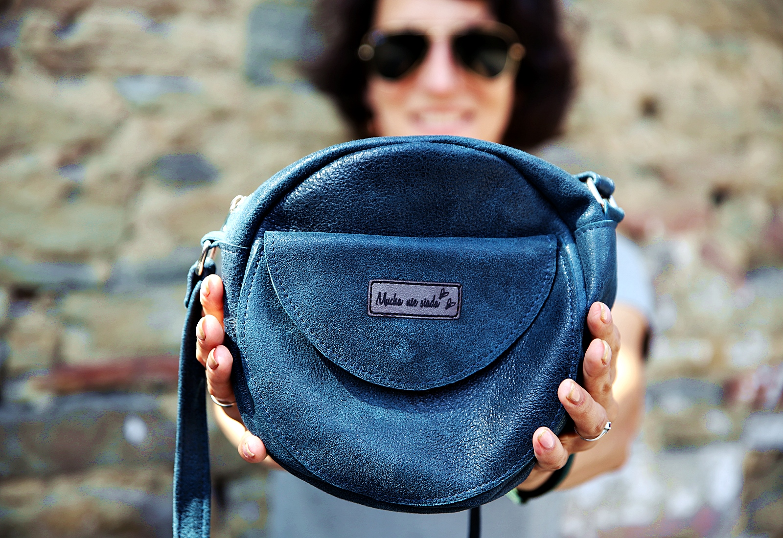 okragła torebka Betsy turkus